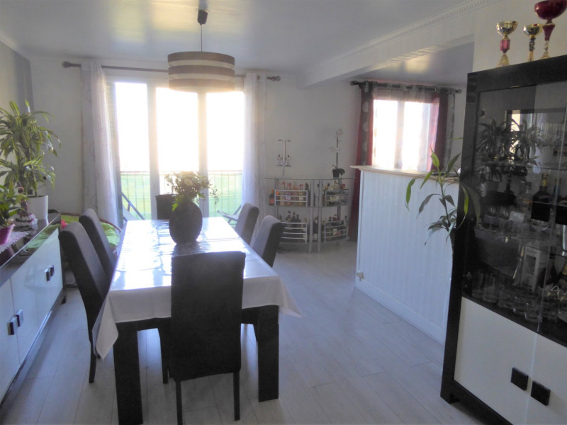 Sale apartment Mennecy 184 000€ - Picture 2