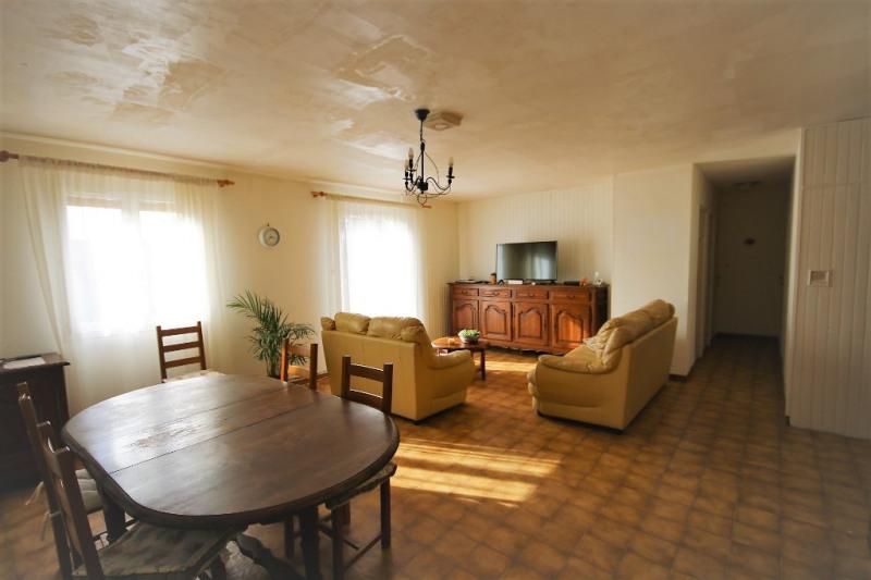 Sale house / villa Peyrolles-en-provence 315000€ - Picture 2