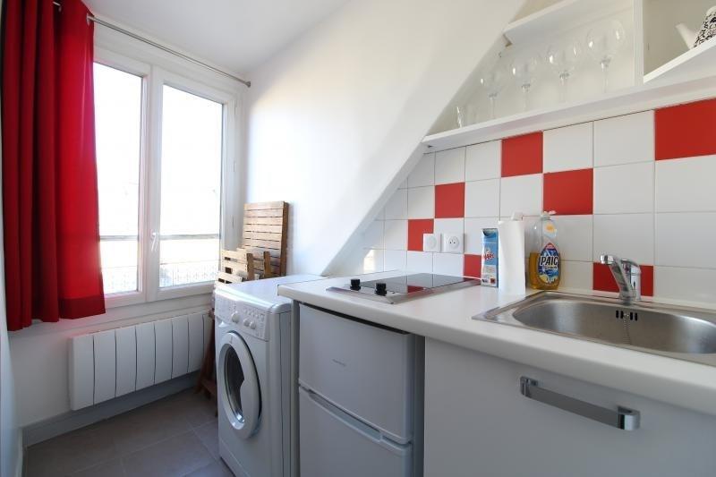 Rental apartment Paris 9ème 825€ CC - Picture 3
