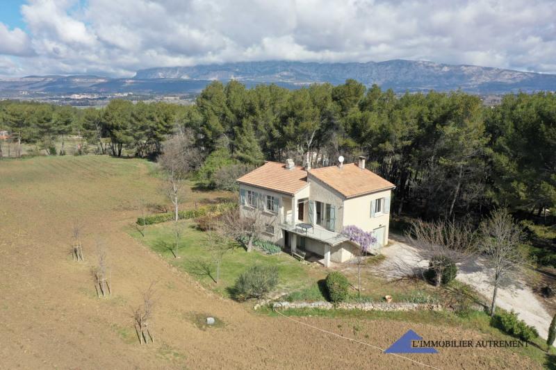 Sale house / villa Trets 575000€ - Picture 1