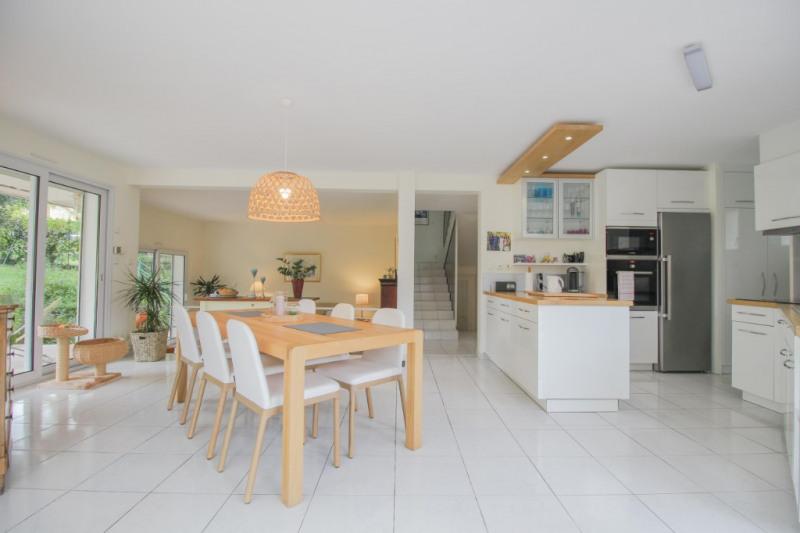 Deluxe sale house / villa Brison saint innocent 735000€ - Picture 3
