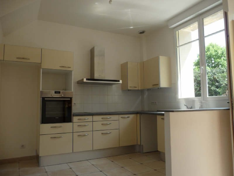 Rental house / villa Le chesnay 2 120€ CC - Picture 5