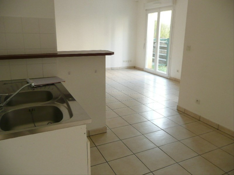 Location appartement Aubigny sur nere 585€ CC - Photo 2