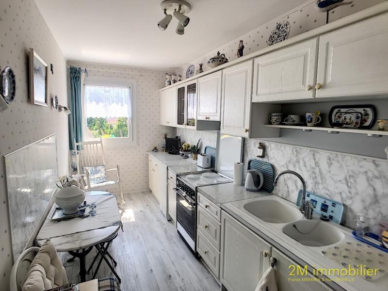 Sale apartment Vaux le penil 185000€ - Picture 3
