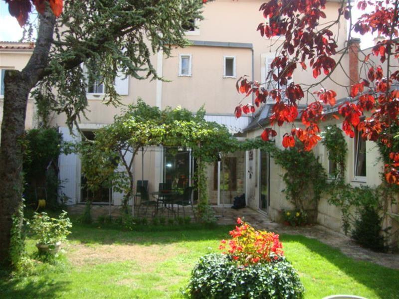 Vente maison / villa Saint-jean-d'angély 327050€ - Photo 11