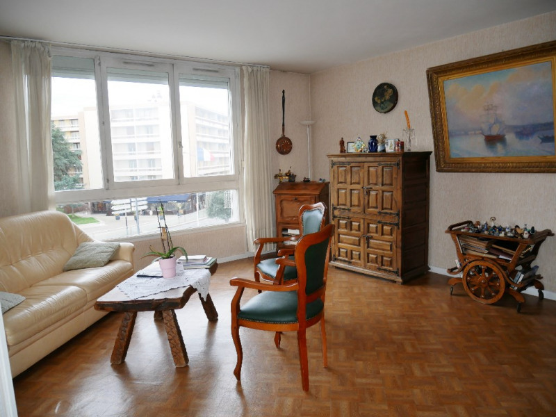 Sale apartment Poissy 249000€ - Picture 2