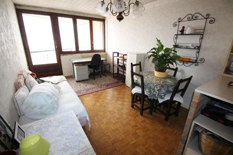 Sale apartment Fontaine 88 000€ - Picture 2
