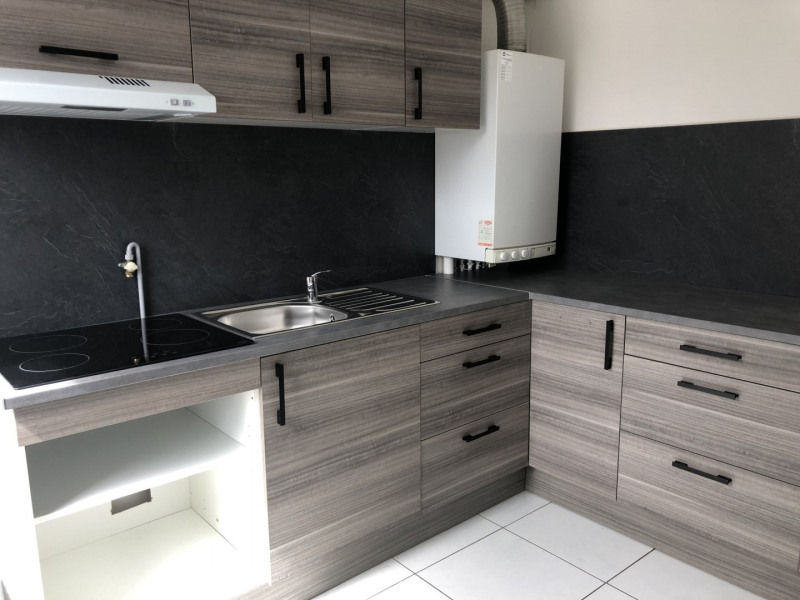 Sale apartment Reims 124999€ - Picture 2