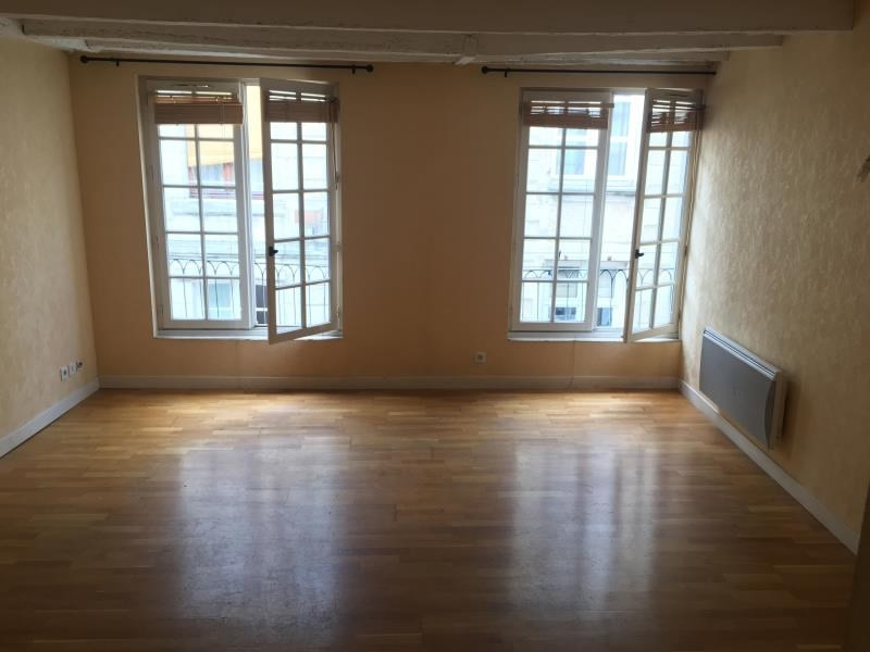 Rental apartment Poitiers 532€ CC - Picture 1