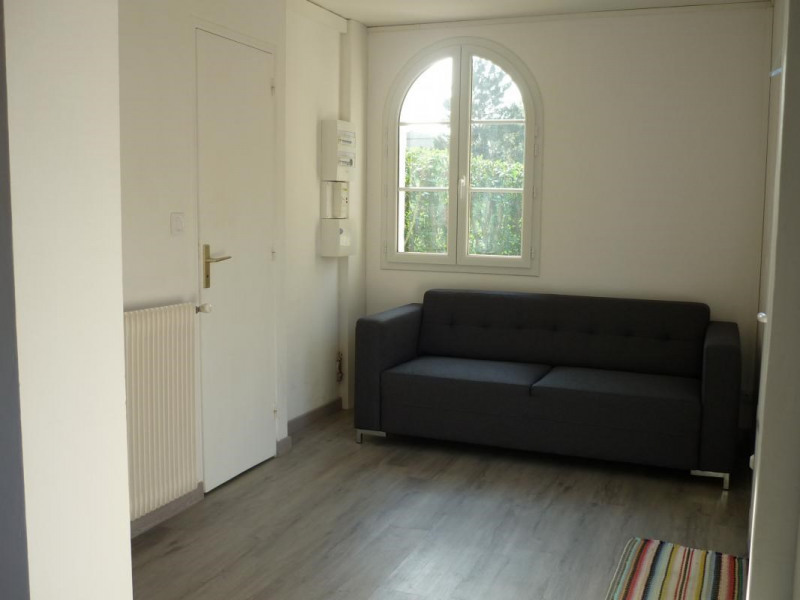 Rental house / villa Lisieux 605€ CC - Picture 3