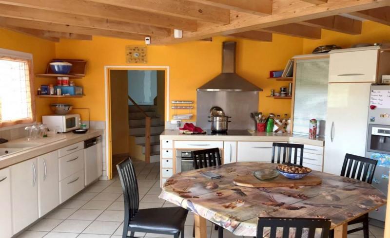 Deluxe sale house / villa Amancy 585000€ - Picture 9