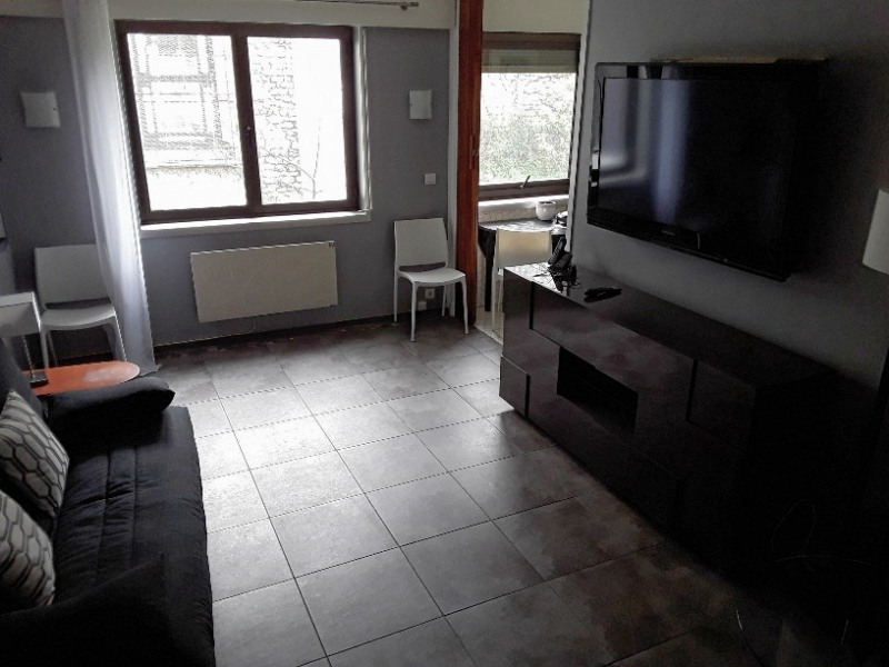 Location appartement Paris 8ème 1 290€ CC - Photo 4