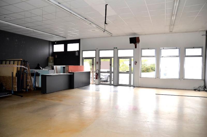 Location local commercial Quimper 2750€ CC - Photo 5