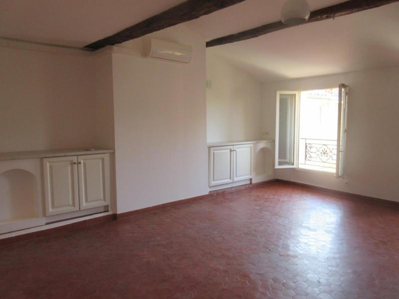 Location appartement Aix en provence 1 050€ CC - Photo 2