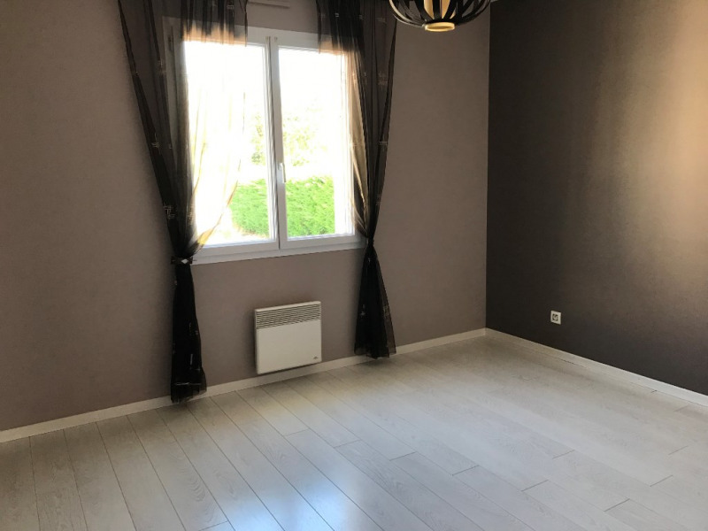 Sale house / villa Saint mathurin 295250€ - Picture 4