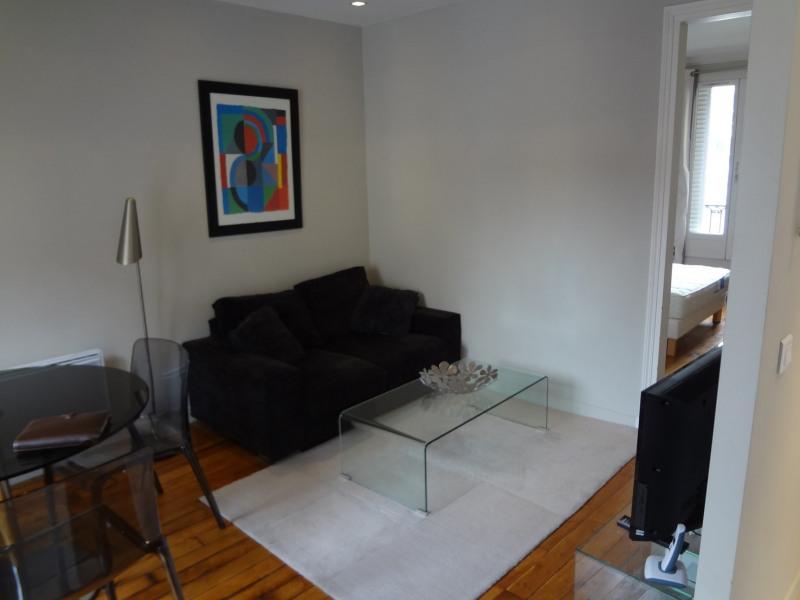 Location appartement Paris 16ème 1362€ CC - Photo 7