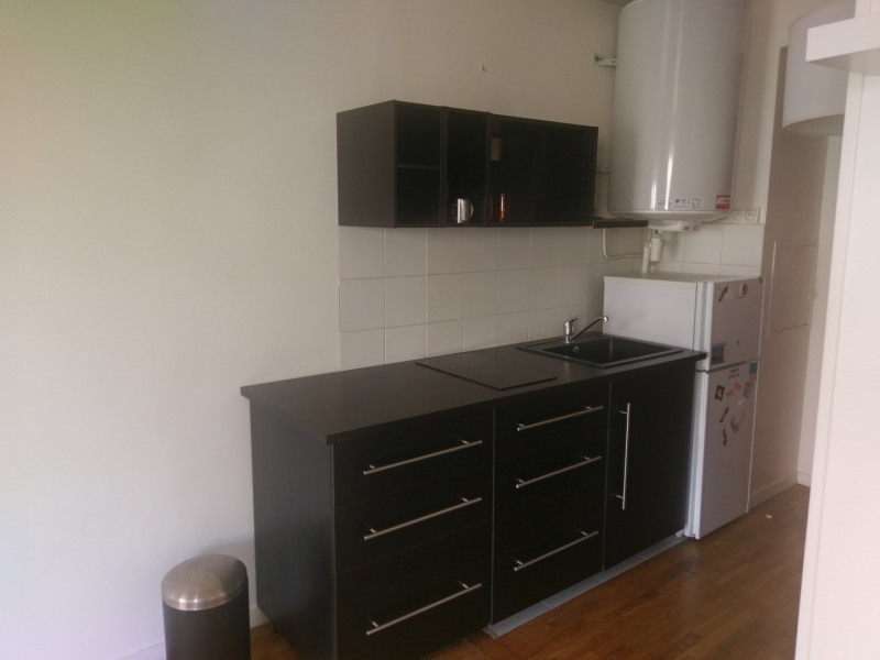 Location appartement Paris 15ème 1 375€ CC - Photo 2