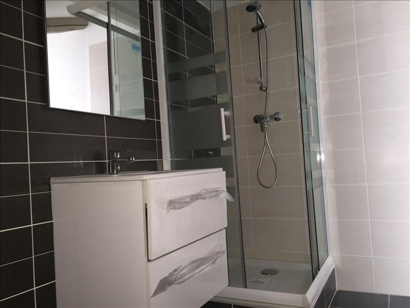 Rental apartment Bourgoin jallieu 520€ CC - Picture 5