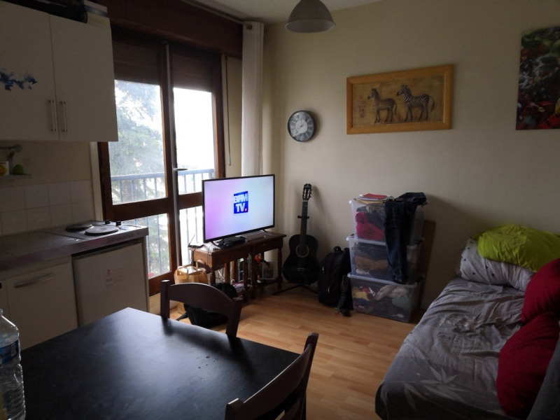 Rental apartment Le plessis-robinson (92350) 479€ CC - Picture 2