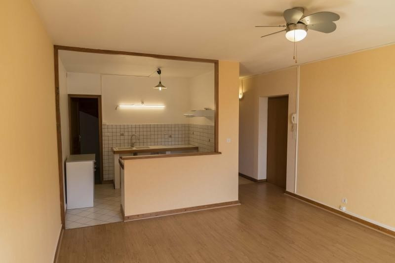 Rental apartment Nantua 515€ CC - Picture 2