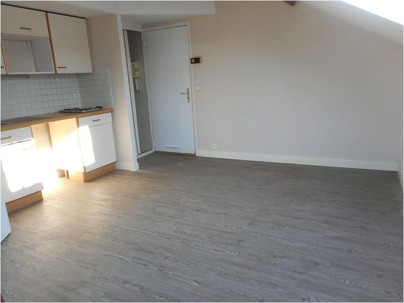 Rental apartment Athis mons 475€ CC - Picture 1