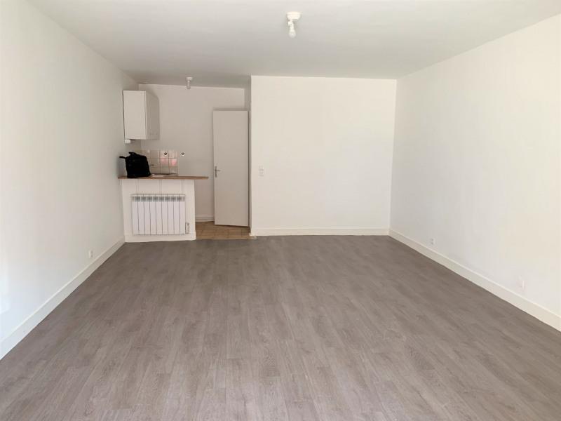 Location appartement Pierrelaye 520€ CC - Photo 2