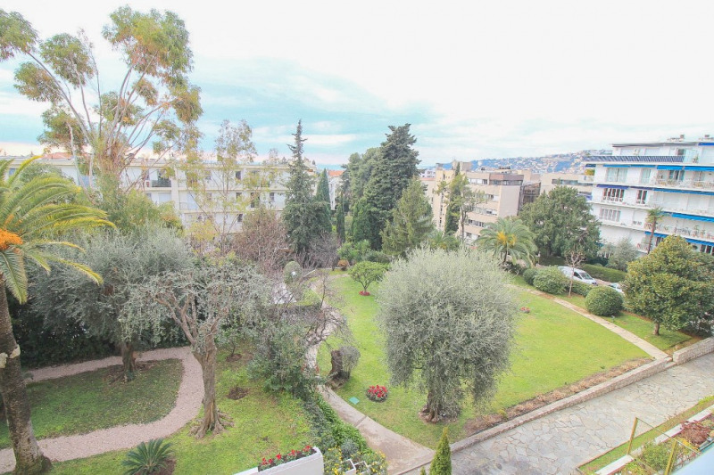 Deluxe sale apartment Nice 585000€ - Picture 5