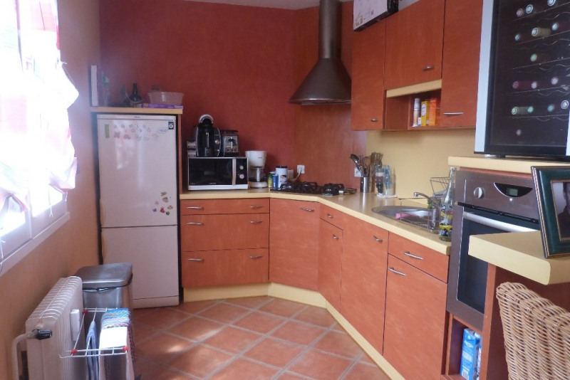 Location appartement Laval 370€ CC - Photo 2