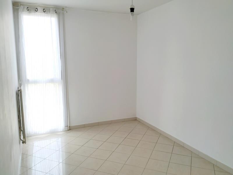 Sale apartment Salon de provence 120000€ - Picture 3