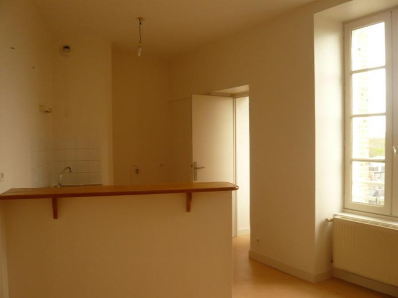 Rental apartment Laval 515€ CC - Picture 2