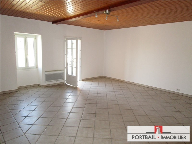 Location maison / villa Blaye 650€ CC - Photo 3
