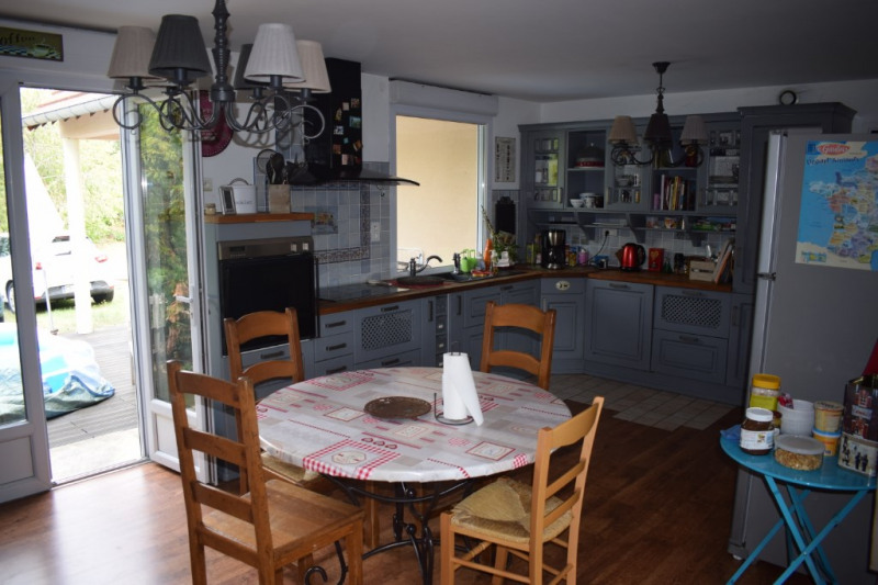 Vente maison / villa Freneuse 320 000€ - Photo 4