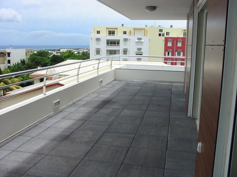 Location appartement Ste clotilde 910€ CC - Photo 4