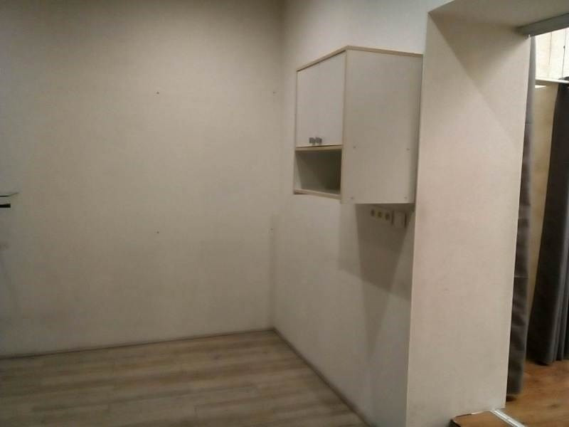 Rental empty room/storage Oullins 724€ CC - Picture 4