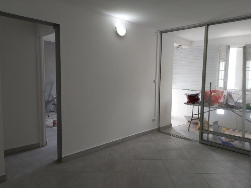 Location appartement Pointe a pitre 745€ CC - Photo 3
