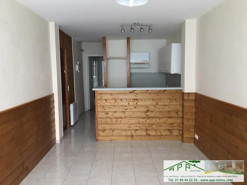 Rental apartment Athis mons 683€ CC - Picture 3