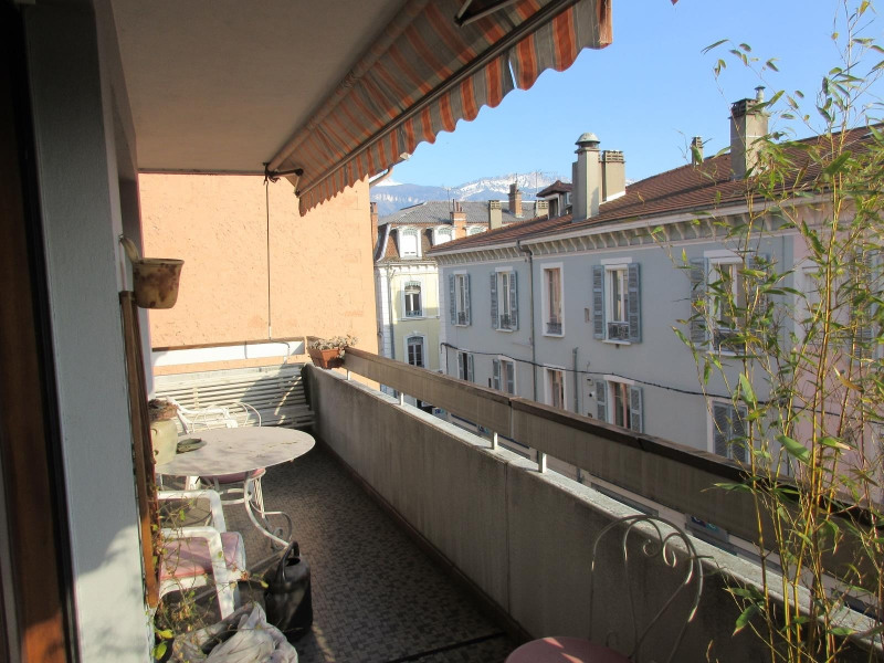Vente appartement Voiron 234 000€ - Photo 2