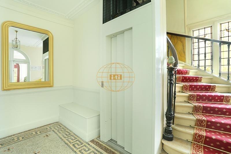 Vente de prestige appartement Paris 8ème 1800000€ - Photo 8