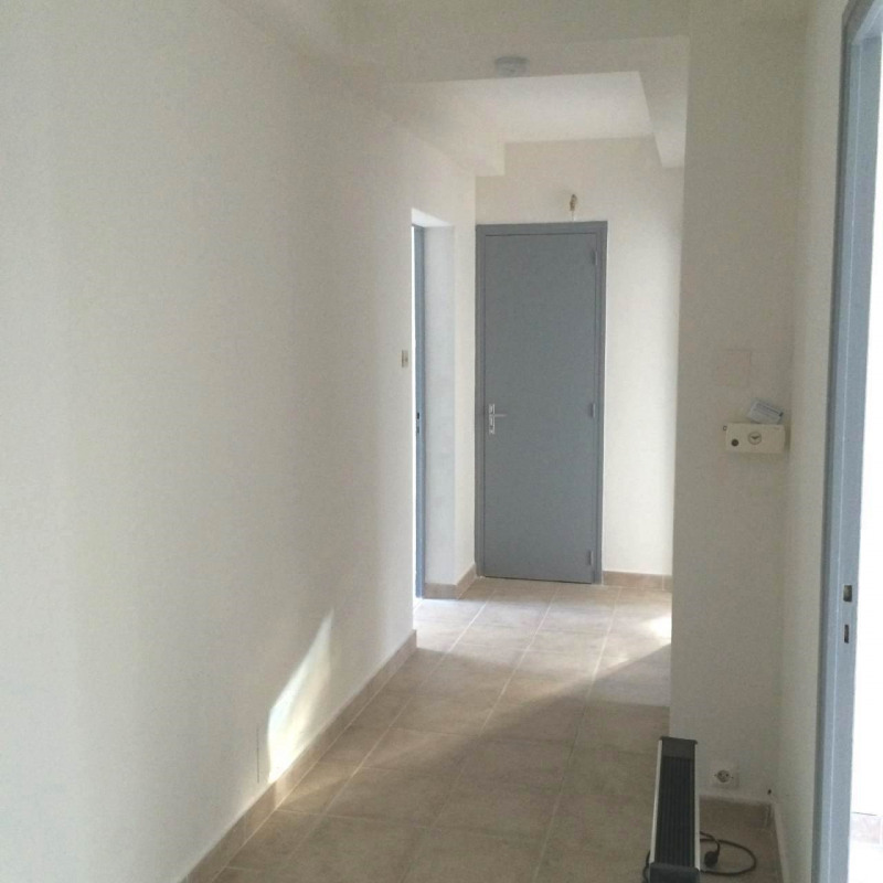 Location appartement Crest 545€ CC - Photo 2