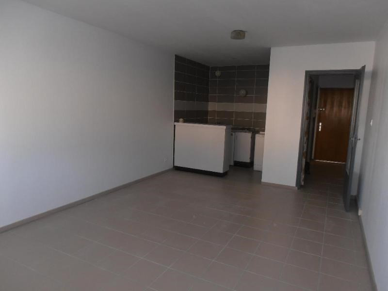 Rental apartment Oyonnax 375€ CC - Picture 3
