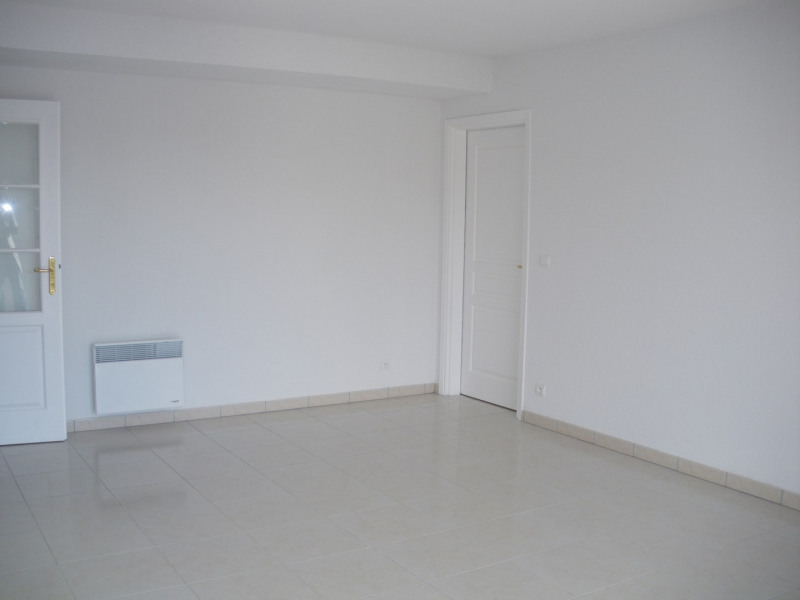 Rental apartment Fréjus 1 110€ CC - Picture 4