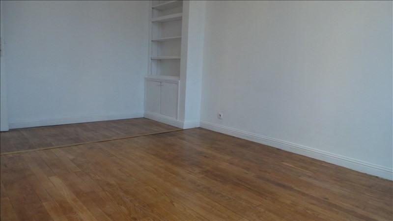 Location appartement Asnieres sur seine 990€ CC - Photo 2