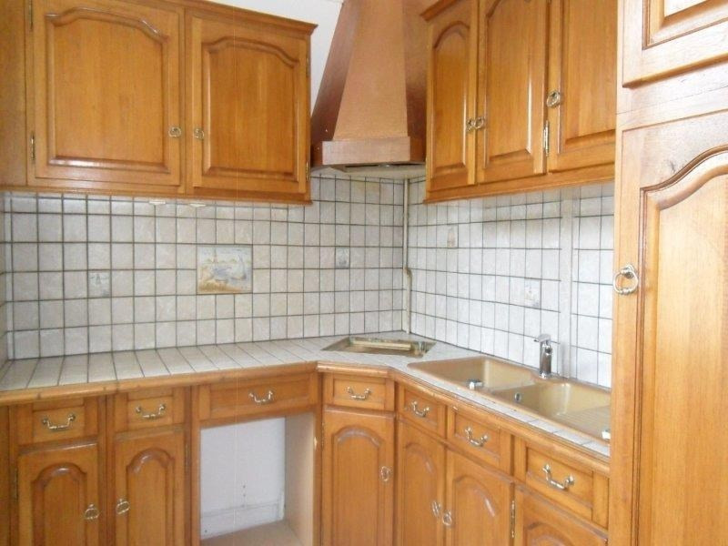 Rental apartment Troyes 524€ CC - Picture 2