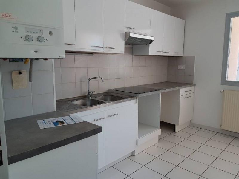 Alquiler  apartamento Villeneuve-les-avignon 800€ CC - Fotografía 3