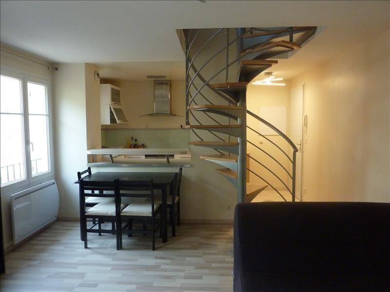 Rental apartment Bures sur yvette 941€ CC - Picture 1