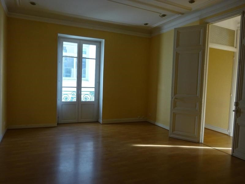Location appartement Vichy 800€ CC - Photo 3