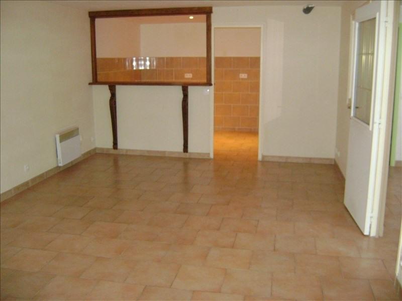 Location appartement Chateau renault 290€ CC - Photo 3