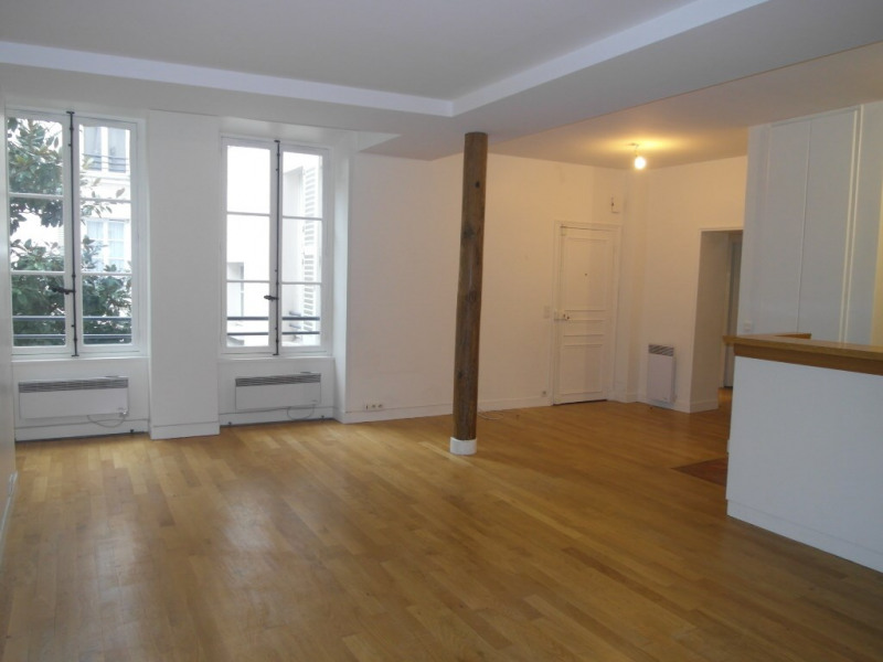 Rental apartment Paris 9ème 2 613€ CC - Picture 1