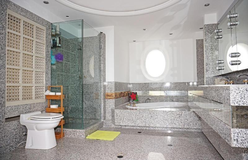 Vente de prestige maison / villa Le plan-de-grasse 1489000€ - Photo 8