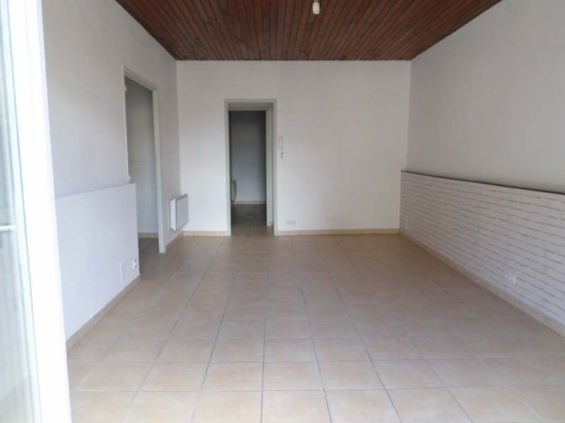 Rental apartment Salon de provence 765€ CC - Picture 3